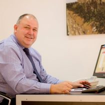 Estate Agent Steve Excell